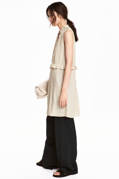 Patterned dress with frills - Light beige - Ladies | H&M 1