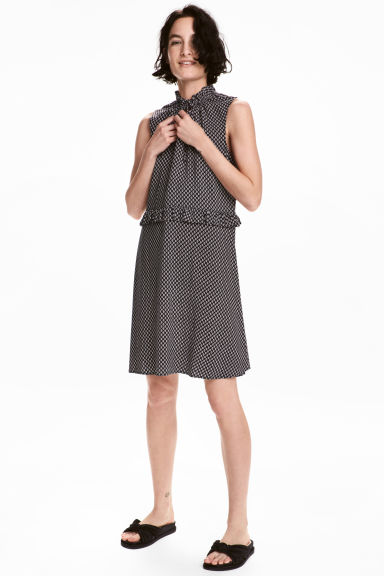 Patterned dress with frills - Black - Ladies | H&M CA
