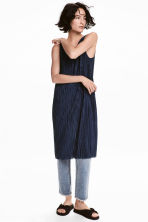 Pleated dress - Dark blue - Ladies | H&M 1