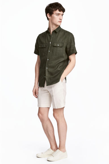Linen city shorts - Light beige - Men | H&M 1