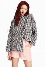 Oversized shirt - Black/Checked - Ladies | H&M 1