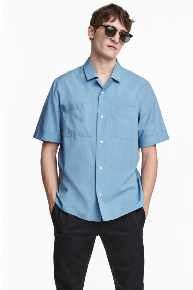 Resort shirt Regular fit - Sky blue - Men | H&M 1
