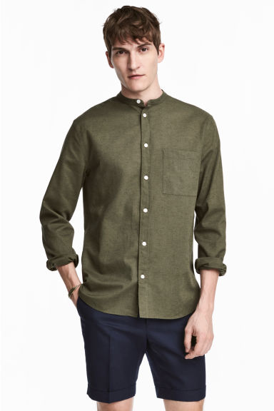 Grandad shirt Regular fit - Khaki green - Men | H&M 1