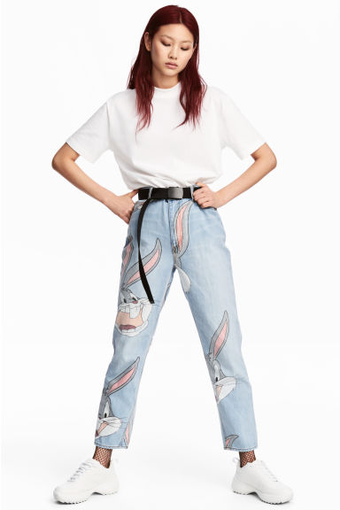 Mom Jeans - Light denim blue/Looney Tunes - Ladies | H&M CN 1