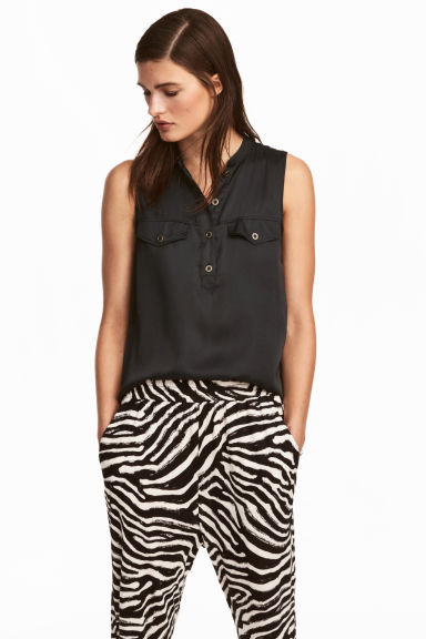 Sleeveless satin top - Black - Ladies | H&M