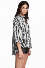Wide shirt - Light grey/Patterned - Ladies | H&M 1