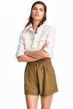 High-waisted shorts - Khaki - Ladies | H&M CN 1