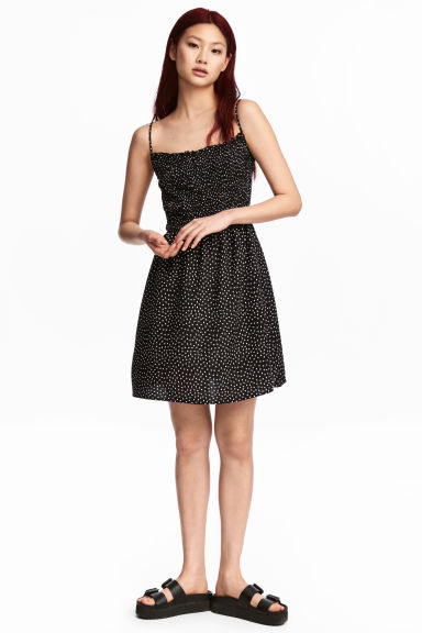 Smocked dress - Black - Ladies | H&M CN 1