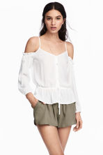 Short shorts - Khaki green - Ladies | H&M 1