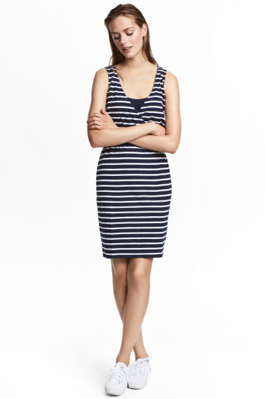 MAMA V-neck nursing dress - Dark blue/Striped - Ladies | H&M 1