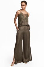 Wide satin trousers - Khaki green - Ladies | H&M CN 1