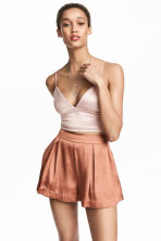 Top corto in satin - Cipria - DONNA | H&M IT 1