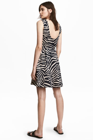 平紋短洋裝 - Zebra print - Ladies | H&M 1