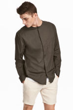 Collarless shirt Regular fit - Dark khaki brown - Men | H&M 1