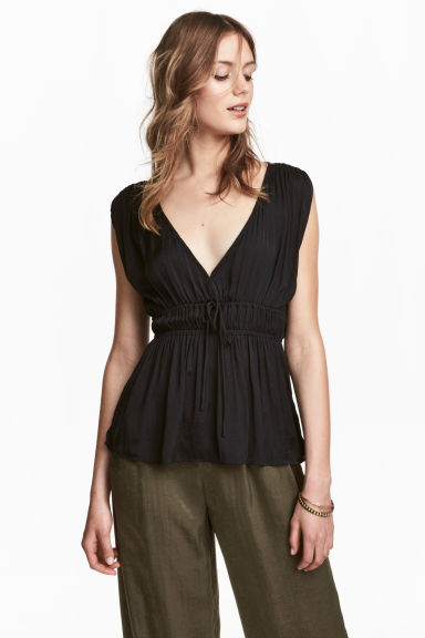 V-neck satin top - Black - Ladies | H&M 1