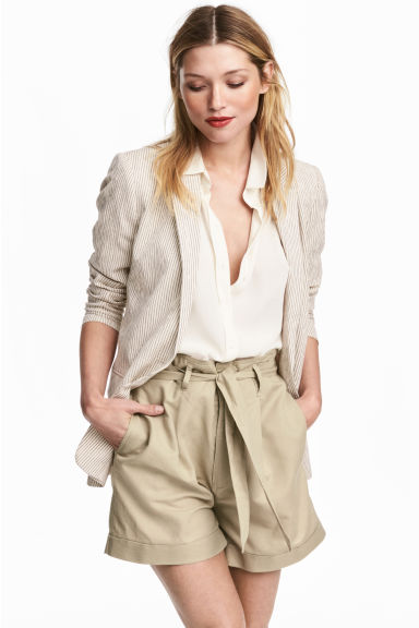 Shorts with a tie belt - Beige - Ladies | H&M 1