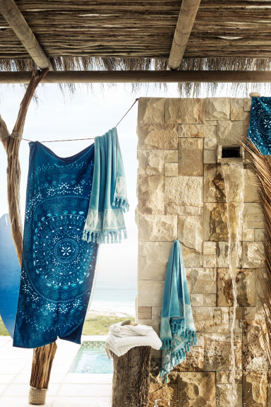 Patterned beach towel - Petrol blue - Home All | H&M CN 1