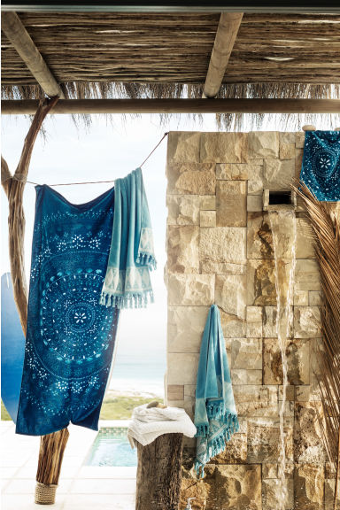 Bath towel with embroidery - Turquoise - Home All | H&M CN 1