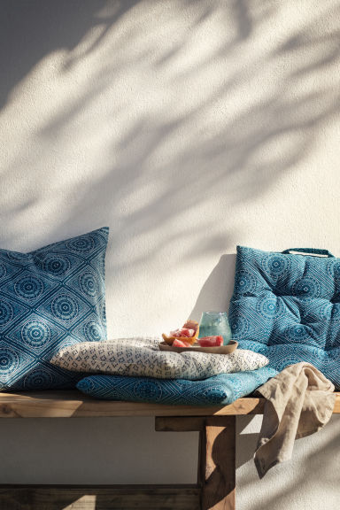 Patterned seat cushion - Turquoise - Home All | H&M IE 1