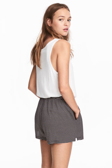 Wide shorts - Black/Striped - Ladies | H&M CN