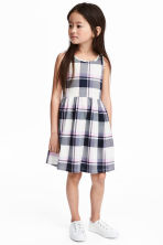 無袖平紋洋裝 - Dark blue/Checked - Kids | H&M 1