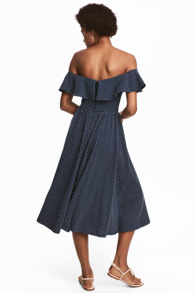 Off-the-shoulder dress - Dark blue/Spotted - Ladies | H&M 1
