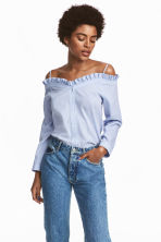 Off-the-shoulder blouse - Blue/White/Striped - Ladies | H&M CN 1