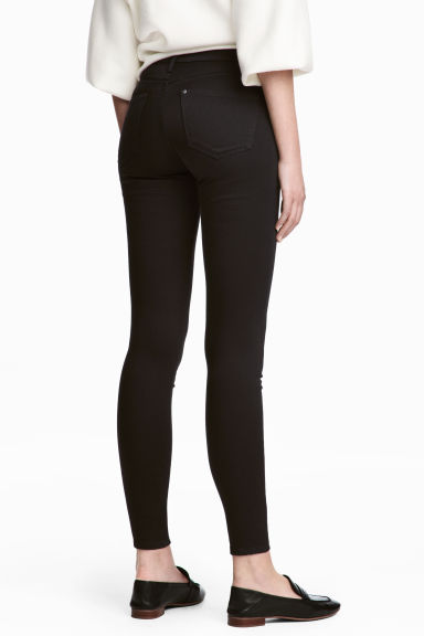Shaping Skinny Ankle Jeans - Black/No fade black - Ladies | H&M GB