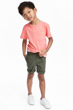 Chino shorts - Khaki green - Kids | H&M CA 1