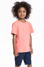 T-shirt with a chest pocket - Coral pink -  | H&M 1