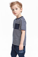 T-shirt with a chest pocket - Dark blue/Striped -  | H&M CA 1