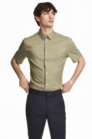 Short-sleeved stretch shirt - Khaki green - Men | H&M 1