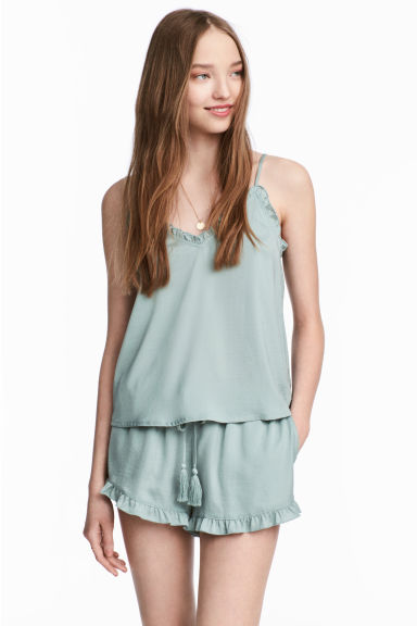 Satin shorts - Dusky green - Ladies | H&M