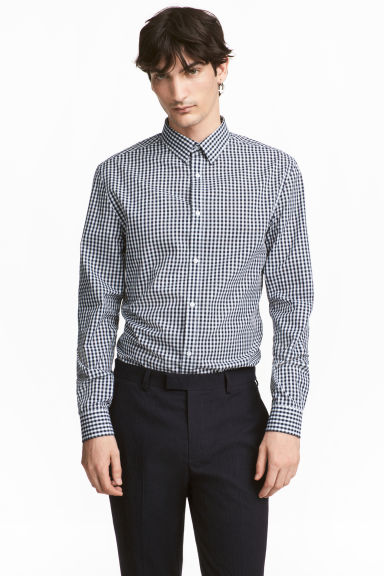 Easy iron-skjorta Slim fit - Mörkblå/Rutig -  | H&M FI