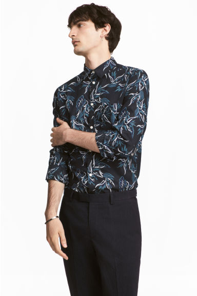 Cotton shirt Regular fit - Dark blue/Patterned - Men | H&M CA