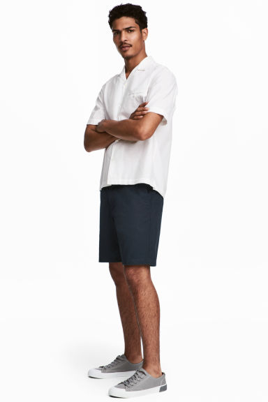 Chino shorts - Dark blue - Men | H&M 1
