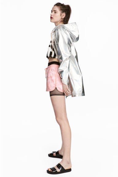 Shimmering metallic parka Model