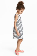 無袖平紋洋裝 - White/Dark blue/Striped - Kids | H&M 1