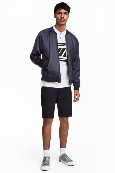 Shorts in twill - Blu scuro - UOMO | H&M IT