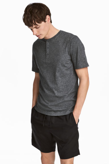 Short-sleeved Henley shirt - Dark grey marl - Men | H&M 1
