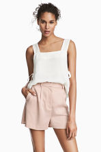 High-waisted shorts - Powder pink - Ladies | H&M CN 1