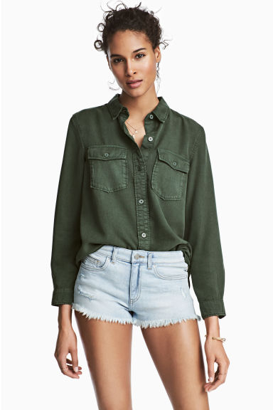 Worn denim shorts - Light denim blue - Ladies | H&M 1