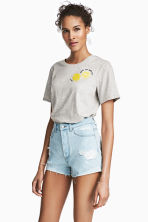Short High Waist Shorts - Light denim blue/Trashed - Ladies | H&M 2