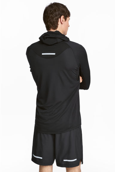 Ultra-light running jacket Model