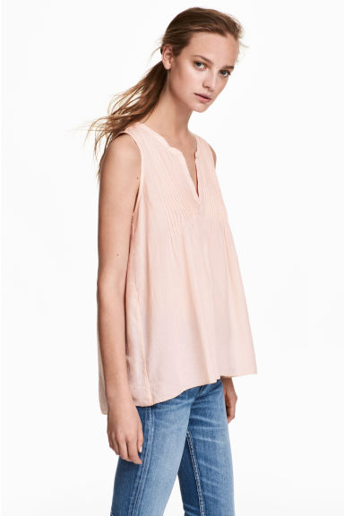 Cotton top with pin-tucks - Powder pink - Ladies | H&M CN 1