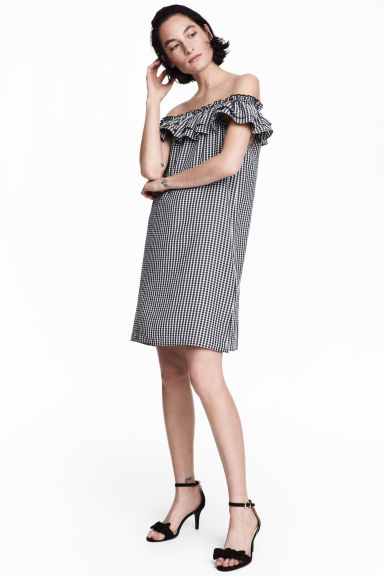 露肩洋裝 - Black/White/Checked - Ladies | H&M 1