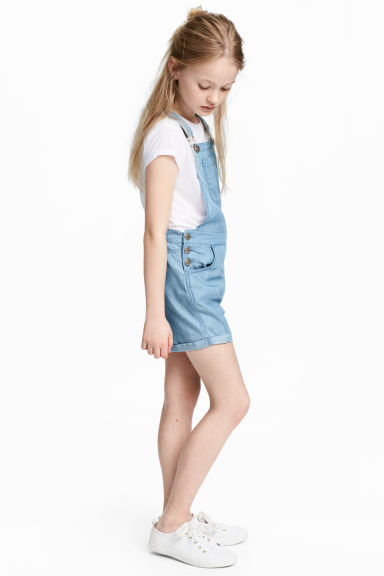 Lyocell dungaree shorts - Blue - Kids | H&M 1