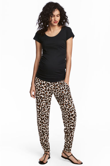 MAMA Patterned joggers - Leopard print - Ladies | H&M 1