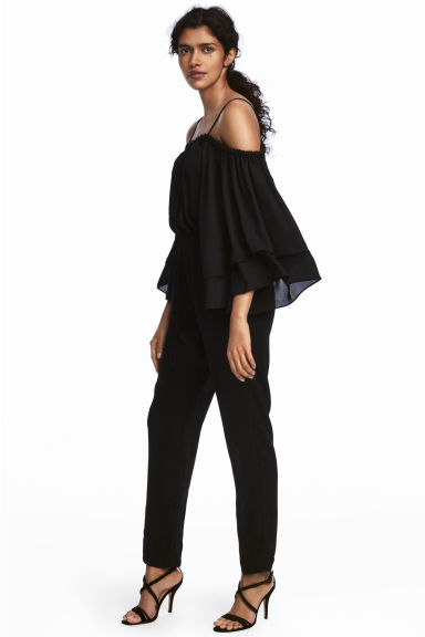 Cold shoulder jumpsuit - Black - Ladies | H&M