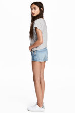 Denim short - High waist - Licht denimblauw - KINDEREN | H&M NL 1
